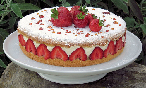 James Martin Strawberry And Cream Cake