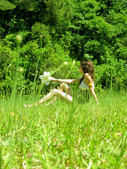 (tara_tearex) Tags: girls grass sunshine forest weeds relaxing may northcarolina bestfriends laying canonsd780