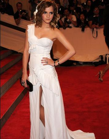 emma watson red carpet 2010. Emma Watson arrived on the
