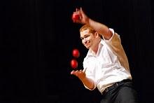 Streetmosphere juggler and magician, Dan Jaspersen
