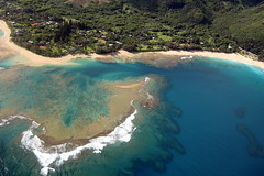 Kaua'i - Helicopter Tour: Tunnels Beach (wallyg) Tags: beach hawaii coast aerial helicopter kauai coastline haena makuabeach tunnelsbeach kauaicounty haenabeachpark jackharterhelicopters