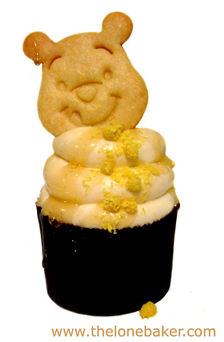Winnie the Pooh Honey Sugar Cookie topping Camomile & Honey Cupcake