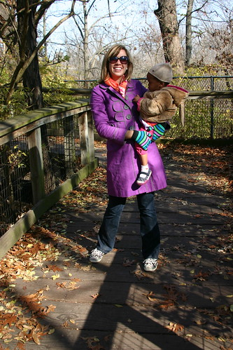 mami and zinashi at the zoo
