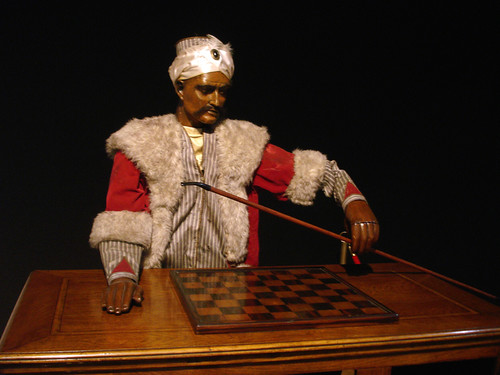 chess-playing automaton (photograph)