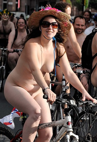 : 2010, bike, ride, d3, naked, nikon, manchester, world, nude, 70200vr