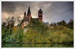 Limburger Dom (faca1009) Tags: wood autumn trees sky tree water reflections germany deutschland agua wasser hessen dom herbst himmel wolke wolken alemania turm sonne lahn reflejos limburg spiegelungen romanik limburganderlahn flus limburgerdom georgsdom frhgotik landkreislimburgweilburg mygearandmepremium mygearandmebronze mygearandmesilver mygearandmegold burglimburg