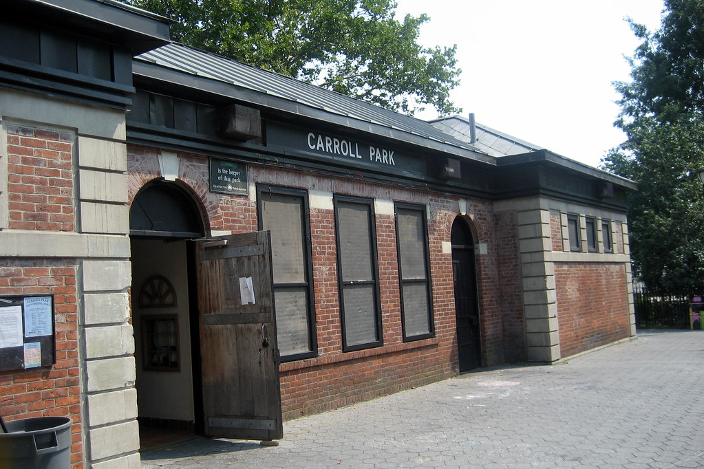NYC - Brooklyn - Carroll Gardens - Carroll Park - Robert Acito Parkhouse