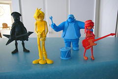 4 gorillaz in the kitchen (chotda) Tags: blue colour kitchen toy toys doll russel vinyl kidrobot noodle 2d guam murdoc gorillaz2tone