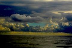Clouds (bozy10) Tags: hawaii valley waipio