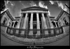 Palais de justice (Le***Refs *PHOTOGRAPHIE*) Tags: bw white fish black architecture justice nikon noir palaisdejustice nb fisheye palais nimes blanc romain hdr hdri batiment 105mm d90 lerefs