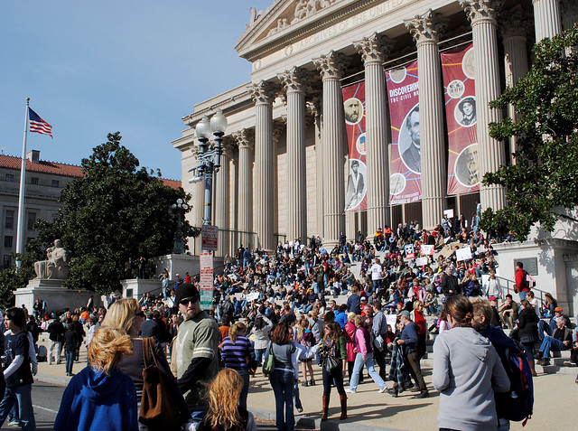 Crowds in front of National Archives