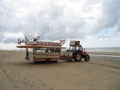 fish stand (Ir. Drager) Tags: sea beach geotagged noordzee zandvoort fishstand