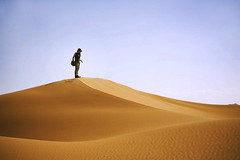 on the top (* tathei *) Tags: china girl canon landscape eos 2470mml desert xinjiang silkroad 5d ef turfan  tulufan kumtag excellentphotographerawards