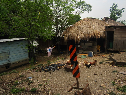 Frontera Corozal 08 - House by the road