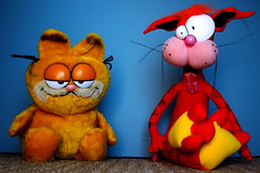 Garfield vs. Bill The Cat (152/365) (JD Hancock) Tags: cat fun toy actionfigure action cc figure duel 365 garfield 1k day152 nogeo bloomcounty billthecat inkitchen jdhancock duel365