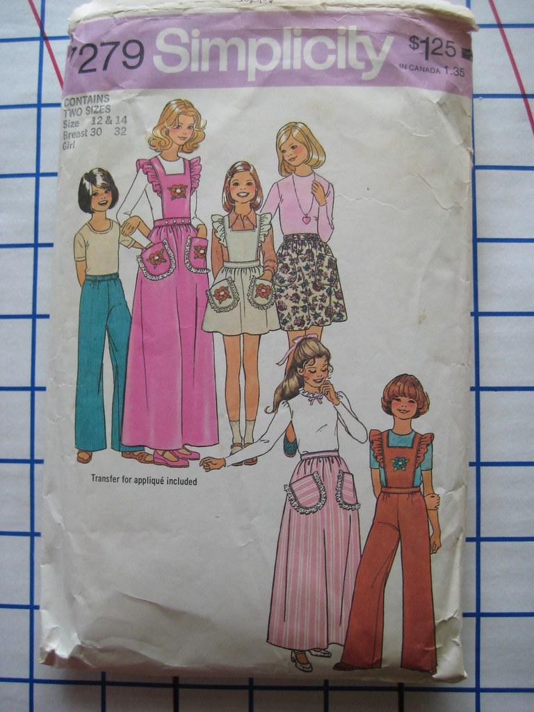 sewing saturday.. ruffled bib and shorts