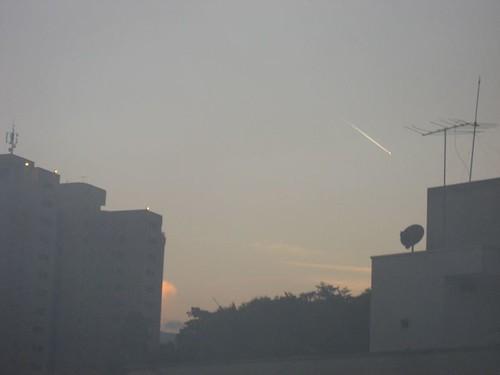 tarde_cali_julio03_2007 001 con ovni o meteorito