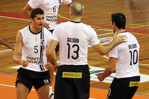 Voleibol: Vitória 3-0 Leixões