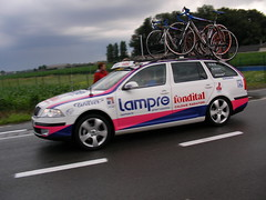 Tour de France support car
