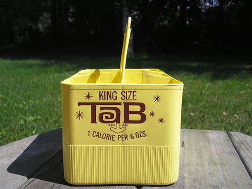 Vintage holder for 16oz bottles of TaB