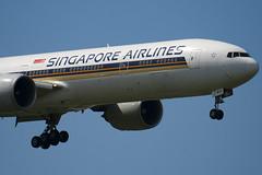 9V-SWH - 34573 - Singapore Airlines - Boeing 777-312ER - 100617 - Heathrow - Steven Gray - IMG_5149
