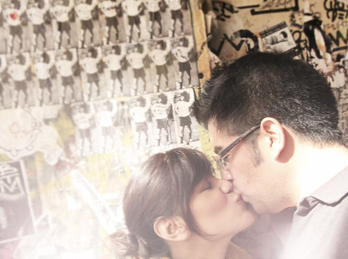 back alley kiss :)