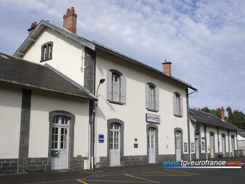 Le BV de Saint-Flour sur la ligne de l'Aubrac Clermont-Ferrand - Béziers