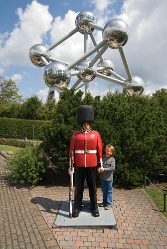 Zelie en Louis voor het Atomium