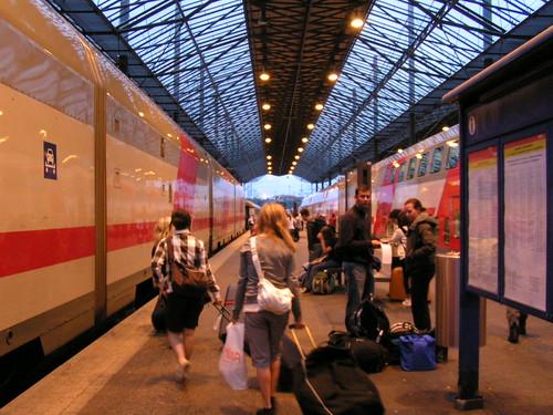 Helsinki Bahnhof am Gleis