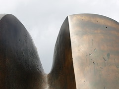 Moore - Knife Edge Two Piece (LucyMaudsley) Tags: two sky sculpture kewgardens art kew bronze knife moore edge piece henrymoore knifeedge mooreatkew