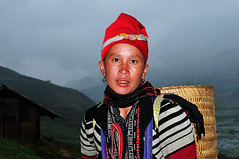 A Hmong tribes pure blood that first came ( DocBudie) Tags: portrait woman lady rural tourist unescoworldheritagesite unesco worldheritagesite traveller human traveling seller sapa hmong laochai traditionaldress rurallife blackhmong tavan potret childrenportrait northernvietnam reddao tourismdestination reddzao hmongtribe reddaotribe humanlife hmonggirl souvenirseller tavanvillage hmongdress vietnamdestination laocaiprovince laochaivillage travelingphotographer reddzaotribe sapaphotos bestplacetovisitinvietnam populartraveldestination nortwestvietnam sukudivietnam traditonalcloth stockphotosofvietnam vietnamstockphotos journeytovietnam reddzaogirl