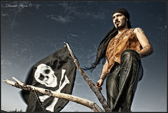Roberto (Daniele Atzori) Tags: texture sigma roberto pirata teschio eos50d golaseca