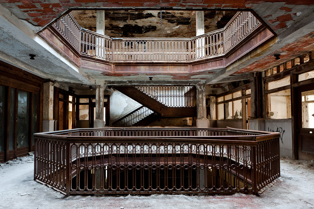 my version of the iconic urbex farwell building stairwell photo in detroit