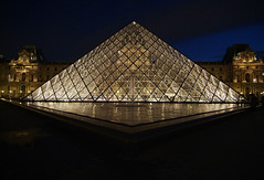 LouvrePyramid03f (scarletgreen) Tags: light paris glass museum architecture night pyramid louvre contemporary francia musedulouvre ieohmingpei louvrepyramid  fotoguia grandlouvreproject
