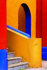 Rincn de Ex-Hacienda de Chautla (Jesus Guzman-Moya) Tags: mxico stairs interestingness colours geometry colores puebla soe escaleras geometria interestigness chautla i500 flickrsbest chuchogm shieldofexcellence jessguzmnmoya anawesomeshot aplusphoto goldenphotographer diamondclassphotographer flickrdiamond exhaciendadechautla colourartaward highestposition337onfridayseptember282007