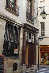 Paris street IV (ninasclicks) Tags: street travel paris france canon travelphotography lesaintlouis parisstreet