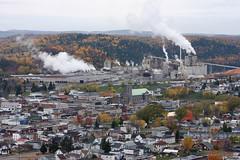 La Tuque (-AX-) Tags: plant canada mill paper la smoke qubec pollution papier qc tuque usine smurfitstone