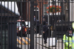 Img0054406 (veryamateurish) Tags: tonyblair primeminister downingstreet gordonbrown 27june2007