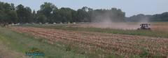 peleton-with-tractor-near-mokane-stage5-2007