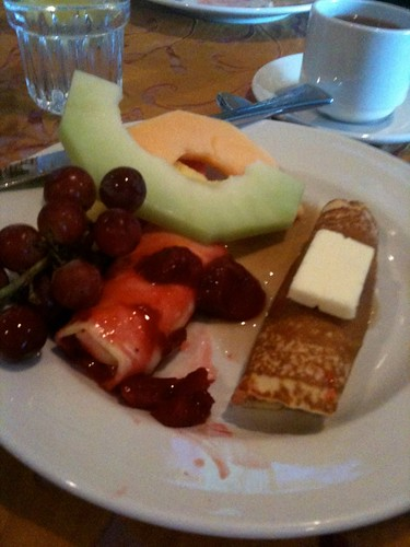 Breakfast buffet at Holiday Inn Crystal Lake
