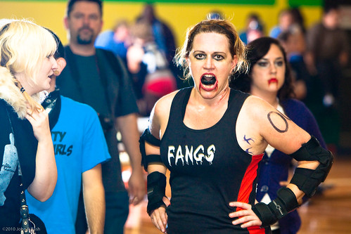 Gate City Roller Girls: Fangs