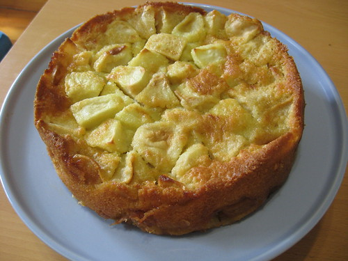 Marie-Helene's Apple Cake