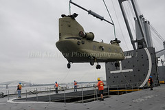 0408mpa 10.26.10. chinook helicopter lift bill mcallen (bill mcallen) Tags: max green army photography bill photographer lift crane maryland baltimore safety landing helicopter sling ready mcallen vest helicopters chinook fleet shipping blades copter prep staging hover towson asmp safey slingmax
