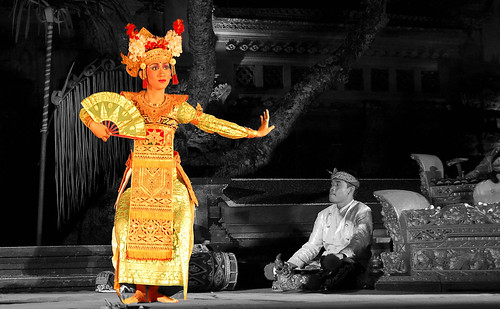 gamelan dancer