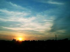 HeRe coMeS tHe suN (HeLMut G.) Tags: sun landscape oneofakind bullseye coolest shiningstar bestofflickr blueribbon elegance aclass naturesfinest thebigone landscapephotography sunsetsandsunrisesaroundtheworld