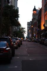 Montreal au crpuscule (Luc Deveault) Tags: canada night canon sundown quebec montreal qubec luc rebelxt crpuscule deveault lucdeveault