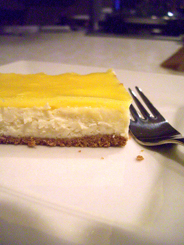 Lemon curd topped cheesecake