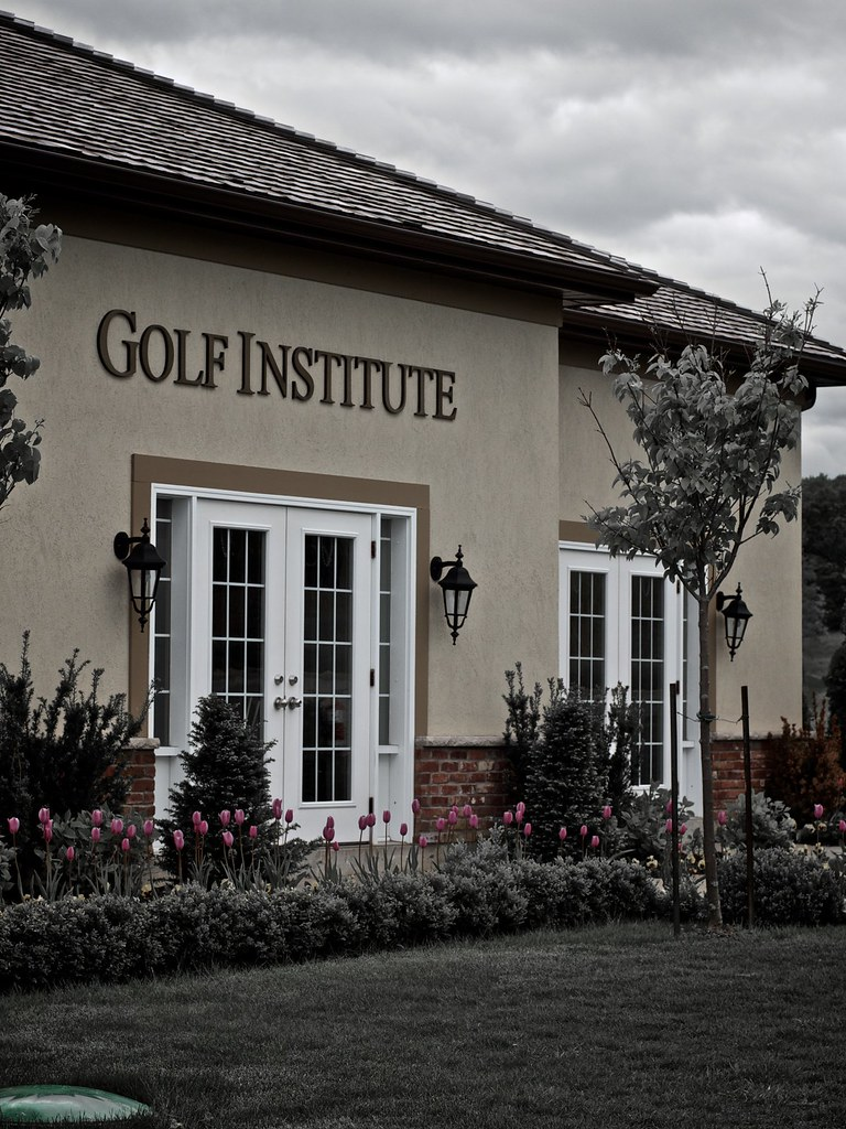 Golf Institute at the Club at Bondhead