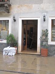 Alluvione Vicenza. Il giorno dopo. 2 Novembre 2010 014 (sangiopanza2000) Tags: italy water italia flood alluvione acqua vicenza veneto fango sangiopanza inondazione bacchiglione eventidafotografare