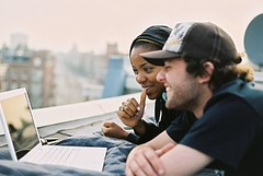 Gijs and Indra (joelfrijhoff) Tags: roof people guy adam film rooftop apple girl dutch amsterdam movie cool ibook laptop chilling inline colourful indra relaxed roog gijs 020 valo cinematicmoments canoneos50e damsko eysden joelfrijhoff gijsvaneysden valobrand wwwjoelfrijhoffcom
